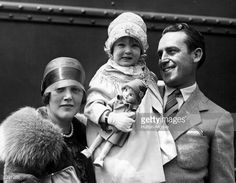 Harold Lloyd (1893 - 1971), with his wife, actress Mildred Davis (1900 - 1969) and their daughter Mildred Gloris. Description from gettyimages.co.uk. I searched for this on bing.com/images