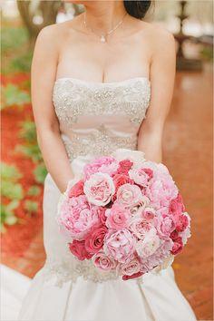 pink rose and peony wedding bouquet @weddingchicks