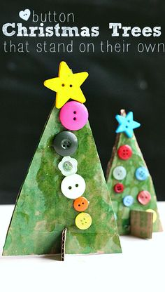 Button Christmas Tree Crafts - No Time For Flash Cards Button Christmas trees made from recycled cardboard that REALLY stand up! Adorable Christmas craft perfect for all ages. Should you love arts and crafts you'll will enjoy our site! Preschool Christmas, Noel Christmas, Christmas Activities, Christmas Crafts For Kids, Christmas Projects, Christmas Themes, Holiday Crafts, Holiday Fun, Christmas Ornaments