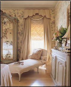 Boudoir:  Vintage #bedroom.