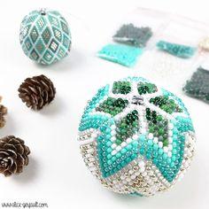 Blog Crochet, Beaded Ornaments, Alice, Christmas Baubles, Crochet Projects, Stud Earrings, Beads, Jewelry, Crochet Christmas