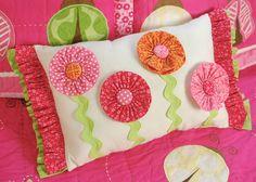 I-Top Buttons Pillow *Imaginisce* - Scrapbook.com
