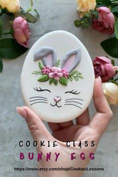 Fancy Cookies, Iced Cookies, Cute Cookies, Cookies Et Biscuits, Decorated Sugar Cookies, Easter Cupcakes, Easter Cookies, Easter Recipes, Easter Crafts