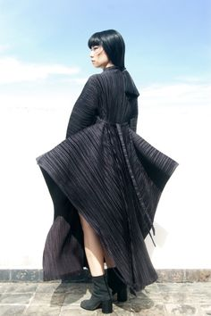 'A look into modern Issey Miyake' by The Rosenrot Dark Fashion, Fashion Art, Fashion News, Fashion Show, Womens Fashion, Fashion Design, Macabre Fashion, Emo Fashion, Modern Fashion