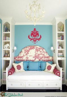 Love this built in bed & shelves!!!!!!!