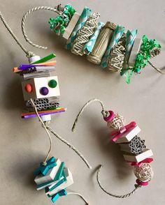 Bunny toy brainstorm Diy Rat Toys, Diy Bunny Toys, Diy Bird Toys, Bunny Crafts, Rabbit Treats, Rabbit Toys, Pet Rabbit, Cockatoo Toys, Homemade Bird Toys