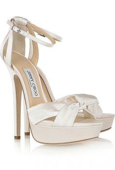 Jimmy Choo - Fairy satin platform sandals - bride's heels. Jimmy Choo, satin, inches (just for ceremony or your feet would fall off). Christian Louboutin, Louboutin Shoes, Bridal Sandals, Satin Shoes, Satin Pumps, Latest Shoe Trends, Bride Shoes, Prom Shoes, Evening Shoes