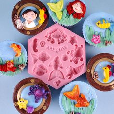 With this Art2Bite mould you can create your own Little Mermaid fairytail cake or cupcakes. You can also use this mould to decorate a sunny beach or summer theme cake or cupcakes. The mould contains: a Mermaid/Girl, a Prince/Boy, two Fish, a Starfish, a Squid, a Seahorse, a Crayfish and three Seashells.