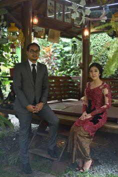 Lamaran Simple dan Elegant Dengan Tema Javanese Garden -