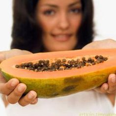 39 Surprising Benefits Of Papaya For Skin, Hair & Health Papaya Face Pack, Papaya For Skin, Get Healthy, Healthy Tips, Healthy Eating, Healthy Recipes, Uses Of Papaya, Holistic Nutrition, Health And Wellness