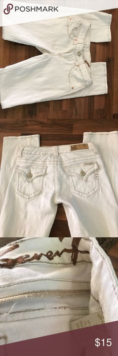 Seven7 Jeans Excellent condition cream colored 7 jeans. 33 inch inseam Seven7 Jeans Boot Cut