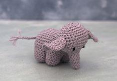 Crochet Elephant Pattern, Crochet Patterns Amigurumi, Baby Knitting Patterns, Crochet Toys, Cute Crochet, Crochet For Kids, Potholder Patterns, Yarn Stash, Mittens Pattern