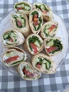 apero dinatoire rapide Light vegetable wraps - Rachel cuisine - Wraps Perfect for a light picnic - Quinoa Sushi, Vegan Picnic, Picnic Foods, Food Porn, Food L, Healthy Wraps, Healthy Sandwiches, Fresh Rolls, Picnic
