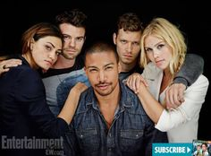 #TheOriginals cast #SDCC @EW [its kind of funny that their all british or austrailian except for the actor playing marcel but I dont think hes from the south.