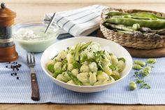 Recette Gnocchis aux asperges, fèves et ricotta. Plus de recettes ici : http://www.ilgustoitaliano.fr/recettes/rechercher/all/all/all/parmesan-et-pates-dures/order-date-desc
