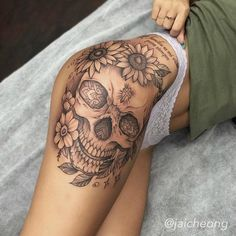 Badass Tattoos, Sexy Tattoos, Cute Tattoos, Unique Tattoos, Sleeve Tattoos, Mini Tattoos, Tatoos, Flower Tattoos, Cute Thigh Tattoos