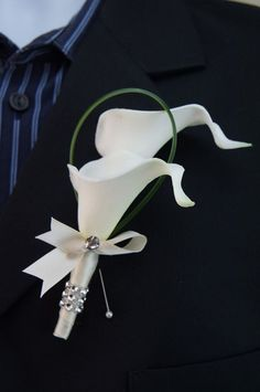 Gorgeous calla lily boutonniere for gentleman's suit 55