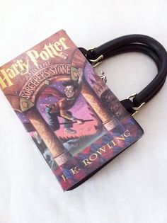 Harry Potter and the Sorcerer's Stone Recycled Book Purse - Harry Potter Book Cover Handbag - American Handmade Book Clutch Harry Potter Book Covers, Harry Potter Love, Harry Potter World, Book Clutch, Book Purse, Book Bags, Harry Potter Accesorios, Fans D'harry Potter, Must Be A Weasley