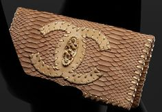 Celebrities who wear, use, or own Chanel Resort 2011 Python Clutch. Also discover the movies, TV shows, and events associated with Chanel Resort 2011 Python Clutch. Chanel Clutch, Chanel Handbags, Purses And Handbags, Chanel Bags, Handbag Accessories, Fashion Accessories, Chanel Resort, Couture, Classy And Fabulous