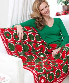 You're sure to dazzle your guests with your crochet skills once they see this Holiday Balls Throw. Use your favorite holidays colors to create a Christmas crochet afghan that will be right at home with your Christmas decorations. It's perfect for kee Grannies Crochet, Crochet Quilt, Crochet Squares, Free Crochet, Knit Crochet, Granny Squares, Christmas Crochet Patterns, Holiday Crochet, Christmas Afghan