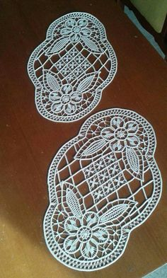 This Pin was discovered by Bah Form Crochet, Crochet Diagram, Filet Crochet, Irish Crochet, Crochet Doilies, Crochet Lace, Bobbin Lace Patterns, Macrame Patterns, Crochet Patterns
