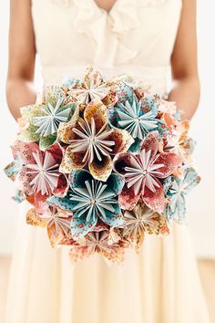 What a fun paper bouquet! The instructions sound fairly simple, too... ~E. How To (BridesMagazine.co.uk)