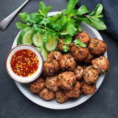 Crispy Thai Laab Meatballs - Marion's Kitchen Mince Recipes, Pork Recipes, Asian Recipes, Asian Foods, Healthy Recipes, Chinese Recipes, Thai Recipes, Main Course Dishes, Main Dishes