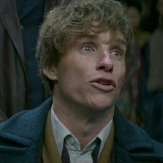 Another pic of Eddie as Newt Scamander ❤