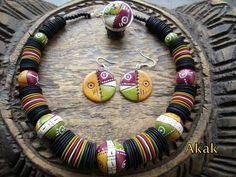 collier boules modèle Zimbabwe , par Akak (polymer clay necklace)