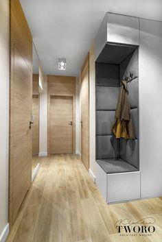 Pasillos, vestíbulos y escaleras modernos de klaudia tworo projektowanie wnętrz sp. Hallway Designs, Foyer Design, Lobby Design, House Design, Home Entrance Decor, House Entrance, Hall Interior, Home Interior Design, Small Hallway Furniture