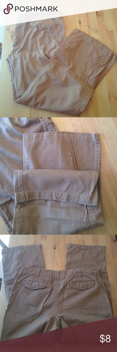 38/32 men's brown khaki pants. Like new condition. No damage to the butt of the jeans or the leg openings. All buttons and seams still in like new condition. Kohls Pants Chinos & Khakis