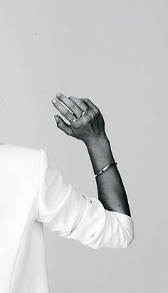 white blazer & simple jewelry #style #fashion Schmuck im Wert von mindestens   g e s c h e n k t  !! Silandu.de besuchen und Gutscheincode eingeben: HTTKQJNQ-2016