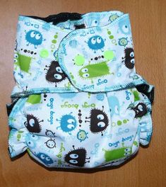 blog couture : avec patron de couche G Diapers, Couches, Blog Couture, Couture Sewing, Christen, Fashion Backpack, Diaper Bag, Lunch Box, Homemade
