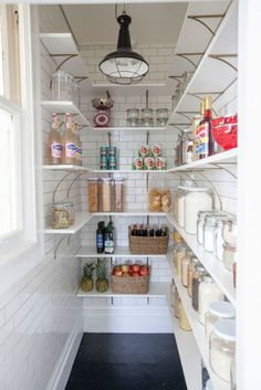 Farmhouse Kitchen Pantry Inspiration- The Best Farmhouse Pantry Inspiration – A huge collection of beautifully organized farmhouse pantries that are classic yet completely on-trend with modern farmhouse touches. Pantry Renovation, Kitchen Decor, Kitchen Inspirations, New Kitchen, Home Kitchens, Kitchen Design, Farmhouse Pantry, Kitchen Pantry Design, Kitchen Hacks Organization