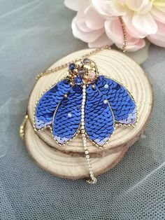 Bridal Jewelry, Beaded Jewelry, Unique Jewelry, Jewellery, Brooches Handmade, Handmade Gifts, Beaded Crafts, Embroidery Techniques, Jewelry Packaging