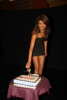 Bollywood - Priyanka Chopra on zoOm's 6th anniversary