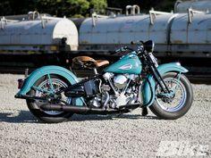 Harley Davidson Shovelhead › Elegant Blue Custom Harley-Davidson Shovelhead Right Side Details
