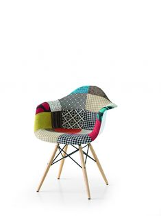 Model DAW Patchwork Fabric Chair with Beech Wood Legs Kitchen Colour Schemes, Color Schemes, Patchwork Chair, Outdoor Chairs, Outdoor Furniture, Chair Fabric, Scandinavian Style, Interior, Amazon Fr