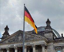 Bandera, Gobierno, El Parlamento
