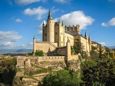Alcázar de Segóvia | Segóvia, EspanhaA aparência de contos de fadas faz do Alcázar de Segóvia um dos... - Shutterstock