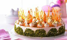 Tort cu ananas și suc de morcovi Rețetă: Giuvaer de frișcă - Una dintre sutele de retețe delicioase de la Dr. Oetker! Weird Food, Crazy Food, Sweet Cakes, Panna Cotta, Caramel, Goodies, Easter, Sweets, Baking