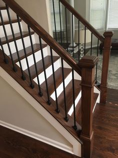 That Will Make You Interior Stairs Staircase Makeover Railing Ideas 120 - house and flat decorations Stair Railing Design, Staircase Railings, Banisters, Wrought Iron Stair Railing, Rod Iron Railing, Staircase Banister Ideas, Stair Case Railing Ideas, Stairways, Iron Spindle Staircase
