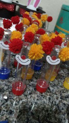 Aniversário P.H. Party Emoji, Clown Party, Diy Mermaid Birthday Party, Lego Birthday Party, Circus Birthday, Birthday Party Invitations, Carnival Themed Party, Carnival Birthday Parties, Unicorn Birthday Parties