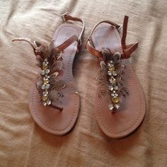 Feather sandals Great condition! Worn twice. Shoes Sandals