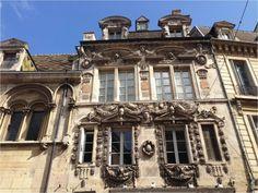 Belle façade, Dijon Mansions, House Styles, Owls, Children, Travel, Manor Houses, Villas, Mansion, Palaces