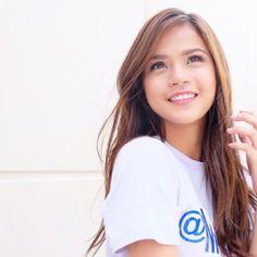 Maris Racal Filipina Actress, Girl Dancing, Best Actress, Hair Inspo, Asian Beauty, Philippines, Design Inspiration, Celebrity, Celebs