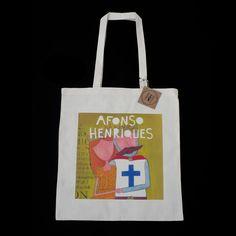 Tote bag 100% algodão, com asas compridas, com ilustração de Afonso Henriques estampada. Cor natural.