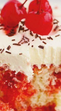 Poke Cake Jello, Poke Cake Recipes, Delicious Cake Recipes, Poke Cakes, Best Cake Recipes, Yummy Cakes, Cupcake Cakes, Dessert Recipes, Cupcakes
