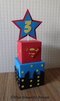 Birthday Table Decorations For Adults For Kids Ideas Spider Man Party, Avenger Party, Birthday Party Table Decorations, Birthday Party Tables, Superman Party Decorations, 3rd Birthday, Superhero Centerpiece, Decoration Party, Wonder Woman Birthday