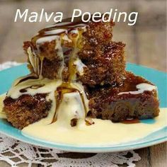 Deserts Malva Pudding, Sugar And Spice, Custard, Easy Desserts, Food Styling, French Toast, Deserts, Spices, Pork